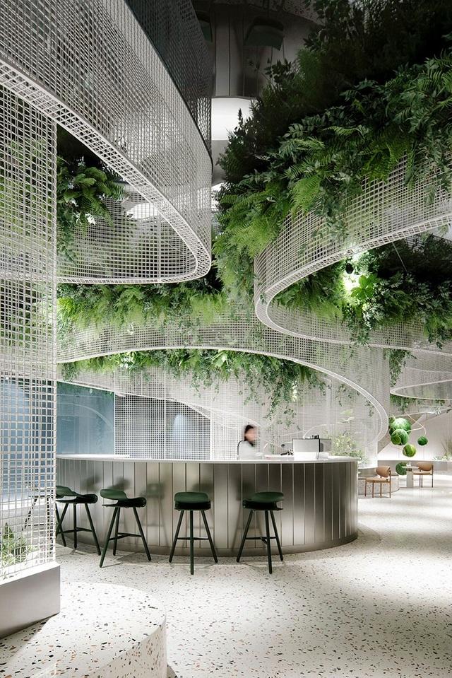 Khu vườn bay thơ mộng ẩn mình trong quán cà phê giữa lòng phố - 1