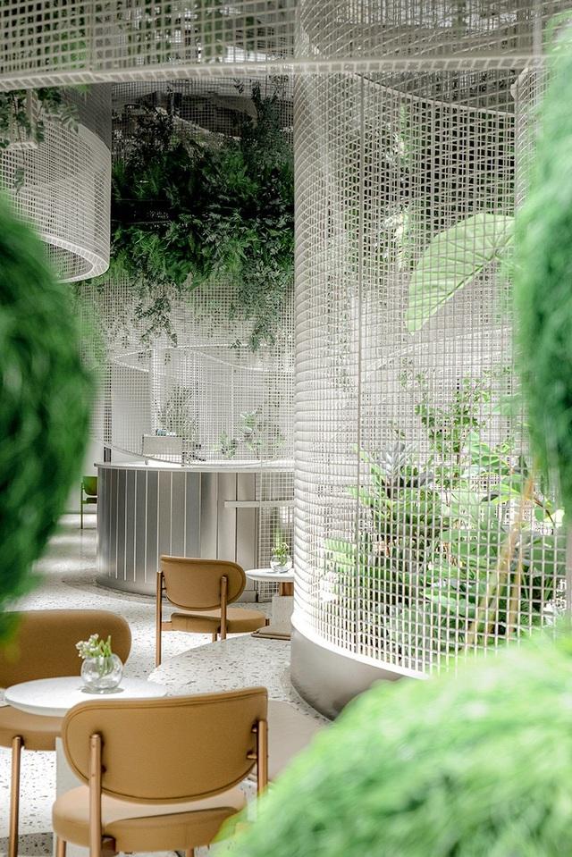Khu vườn bay thơ mộng ẩn mình trong quán cà phê giữa lòng phố - 8