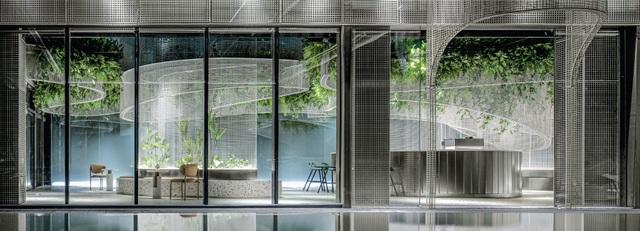 Khu vườn bay thơ mộng ẩn mình trong quán cà phê giữa lòng phố - 9