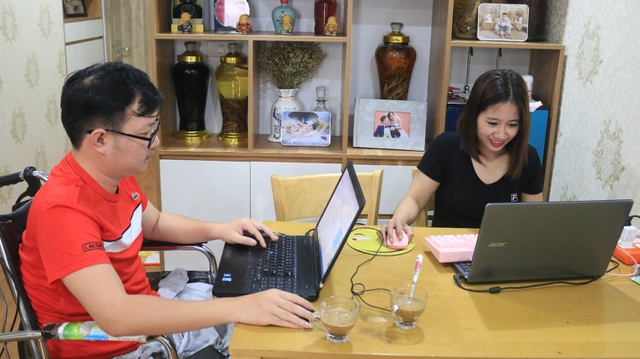 Vợ chồng khuyết tật làm marketing online, tạo việc làm cho hàng trăm người - 2
