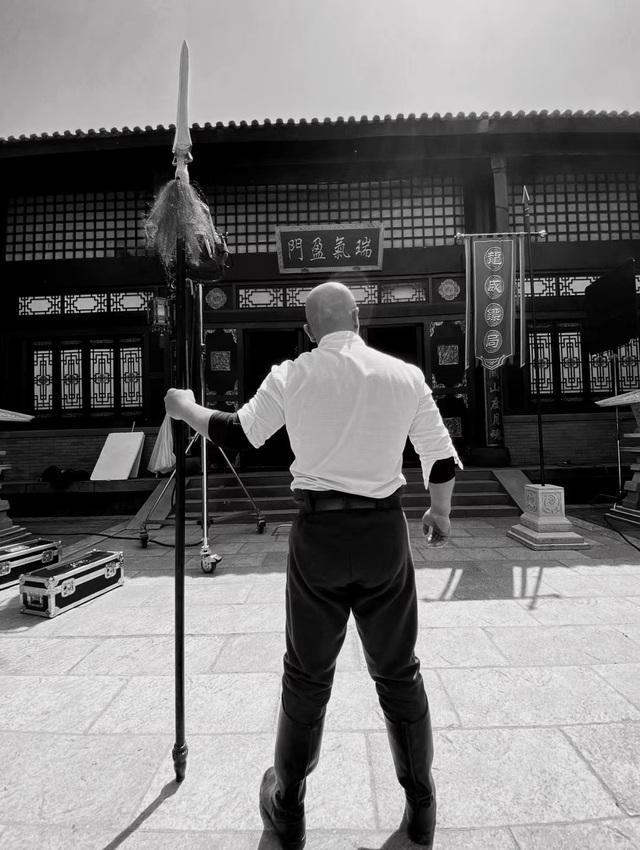 Sắp tới ngày thượng đài, Đệ nhất Thiếu Lâm vẫn mải mê… đóng phim - 4