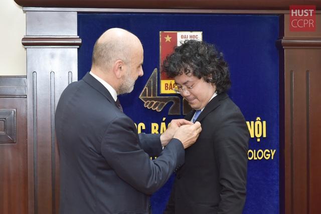 Giảng viên Bách khoa Hà Nội nhận Huân chương Công trạng Italia - 3