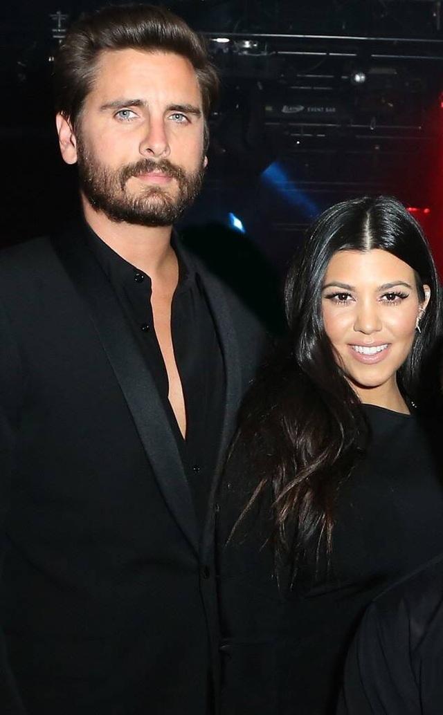 Kourtney Kardashian liên tục tung ảnh hot từ khi yêu chồng cũ hoa hậu Mỹ - 8
