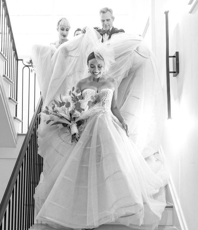 Người đẹp gốc Việt kết hôn với rapper Mỹ: Lễ cưới có nghi thức... mời trà - 2