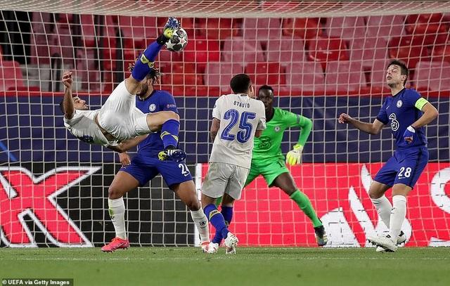 Thua bởi siêu phẩm của sao Iran, Chelsea vẫn vào bán kết Champions League - 5