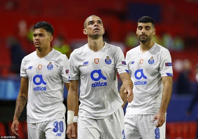 Thua bởi siêu phẩm của sao Iran, Chelsea vẫn vào bán kết Champions League - 6