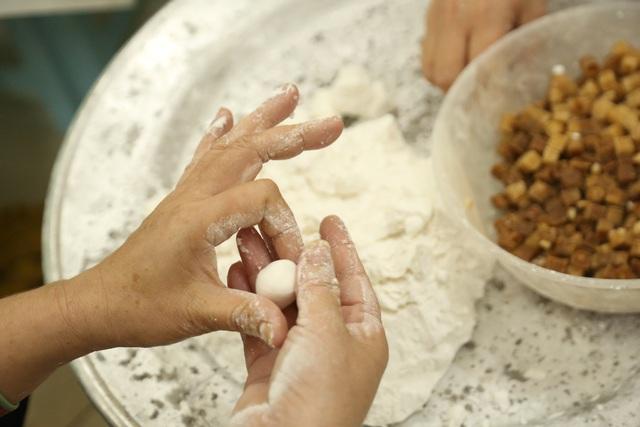 Tết Hàn thực: Dậy từ 3h sáng tất bật làm bánh trôi thu về tiền triệu - 7