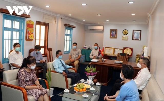 Đại sứ Vũ Quang Minh chúc tết Chol Chnam Thmey cộng đồng người gốc Việt tại Campuchia - 1