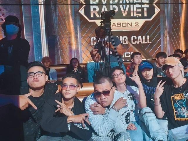 Thí sinh xếp hàng dài cả con phố để casting Rap Việt mùa 2 - 7