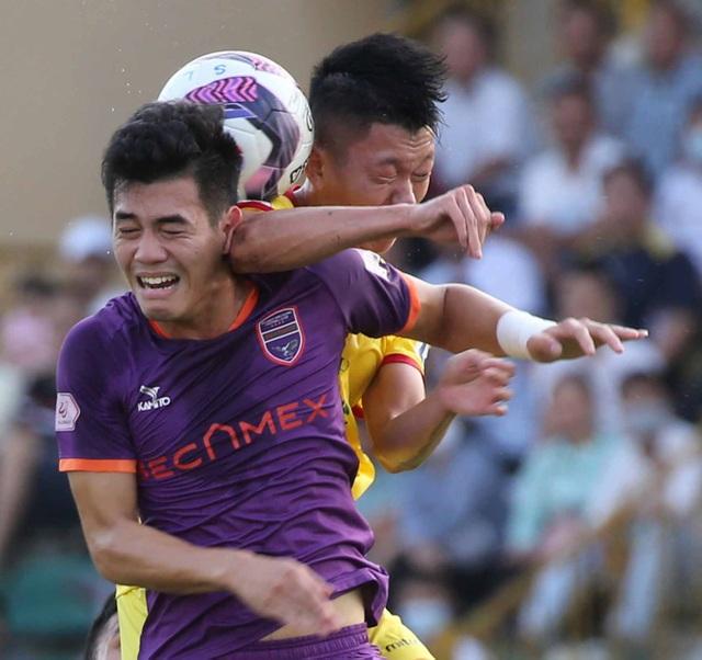 Nhờ HLV Kiatisuk, đội tuyển Việt Nam đang… thừa tiền đạo giỏi - 3