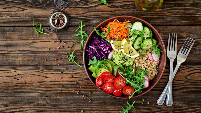 Ăn chay, ăn quá nhiều trái cây cũng có thể khiến gan nhiễm mỡ - 2