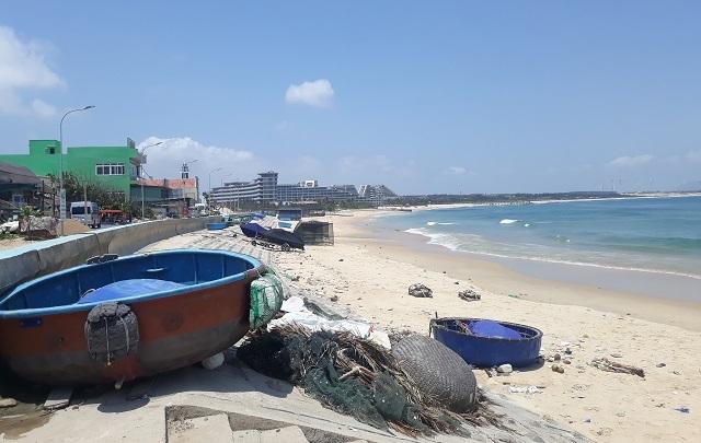 Đình chỉ công trình xây dựng không phép trên bãi biển Nhơn Lý - 2