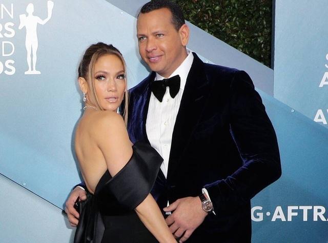 Jennifer Lopez chia tay bồ kém 6 tuổi sau 4 năm hẹn hò - 5