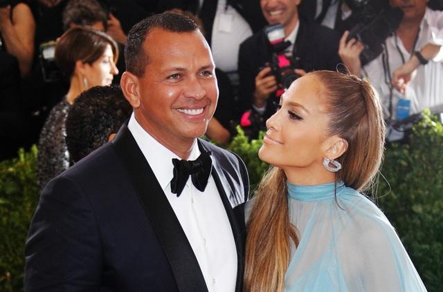 Jennifer Lopez chia tay bồ kém 6 tuổi sau 4 năm hẹn hò - 1