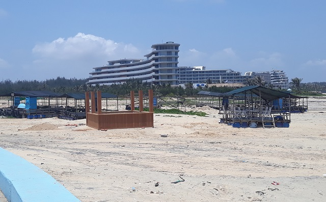 Đình chỉ công trình xây dựng không phép trên bãi biển Nhơn Lý - 3