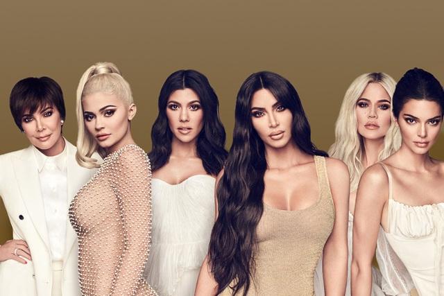 Nhà Kardashian trong cơn bão ly hôn: Có một kim chỉ nam - 1