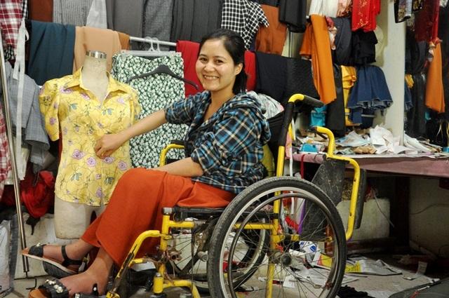 Cô gái ngồi xe lăn và hành trình khởi nghiệp từ cây kim, sợi chỉ - 3