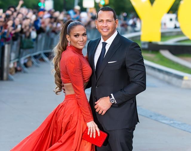 Jennifer Lopez chia tay bồ kém 6 tuổi sau 4 năm hẹn hò - 2
