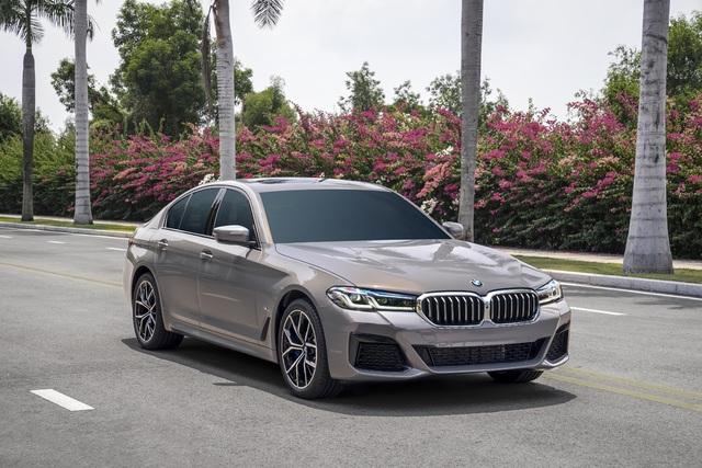 Những mẫu ô tô mới trong tháng 4 cho khách Việt lựa chọn - 4