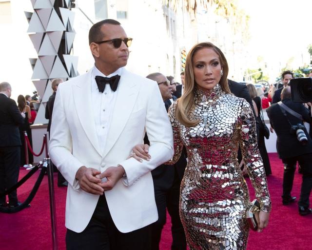 Jennifer Lopez chia tay bồ kém 6 tuổi sau 4 năm hẹn hò - 8