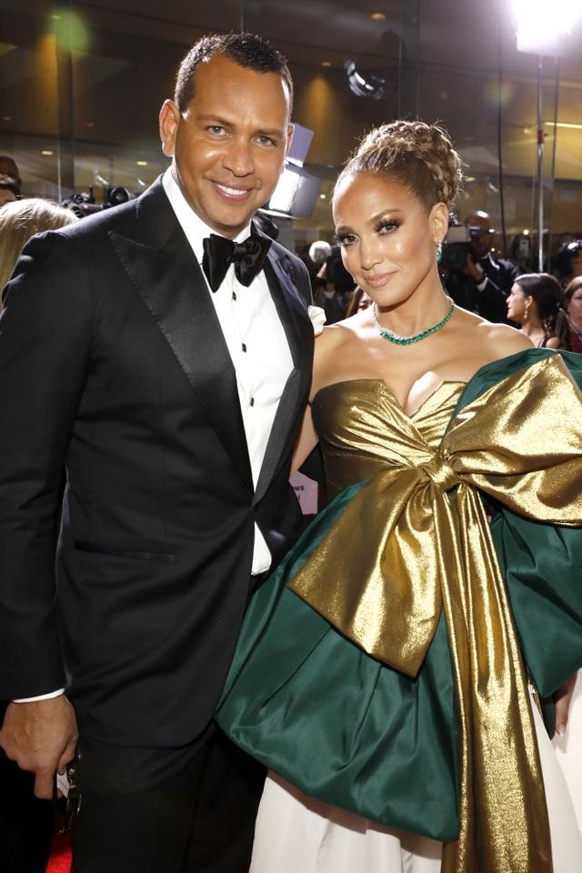 Jennifer Lopez chia tay bồ kém 6 tuổi sau 4 năm hẹn hò - 6