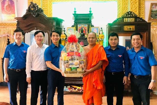 Bí thư Trung ương Đoàn thăm chúc Tết Chôl - Chnăm - Thmây tại Trà Vinh - 1