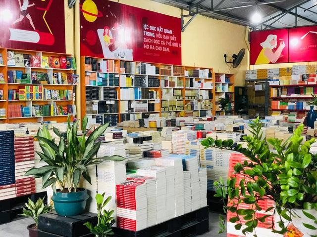 Ra mắt Kho sách nửa giá lớn tại Sài gòn với hơn 19.000 quyển - 3