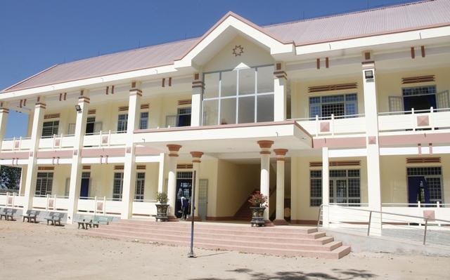 Học sinh huyện nghèo thoát cảnh bỏ học, học tạm bợ nhờ Chương trình 30a - 1