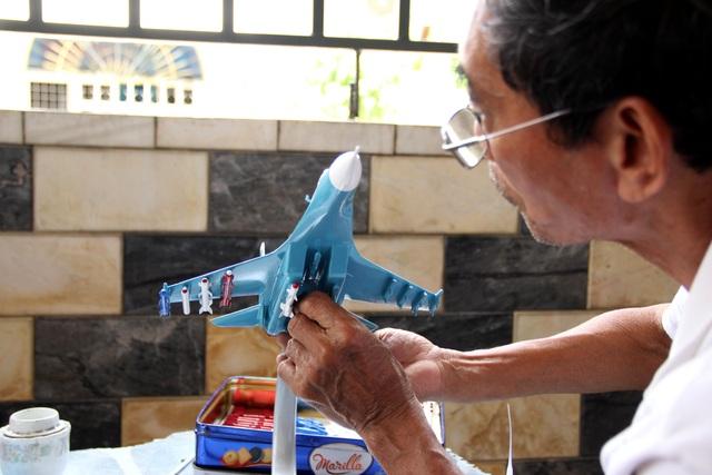 Độc đáo mô hình máy bay chiến đấu của người lính phòng không - 2