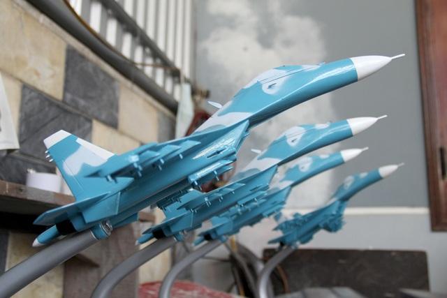 Độc đáo mô hình máy bay chiến đấu của người lính phòng không - 5