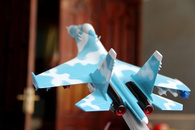 Độc đáo mô hình máy bay chiến đấu của người lính phòng không - 8