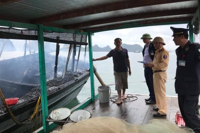 Nổ bình gas trên tàu cá, 3 anh em ruột bị bỏng nặng - 1