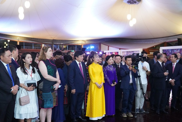 Nữ doanh nhân Nguyễn Thị Phương Thảo nhận Huân chương Bắc đẩu bội tinh của Nhà nước Pháp trao tặng - 5
