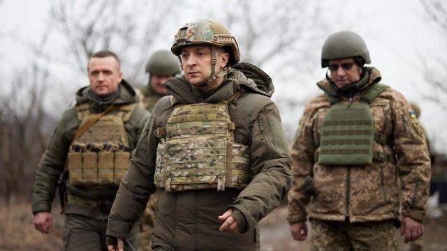 Ukraine cảnh báo hậu quả nếu Nga vượt lằn ranh đỏ - 1