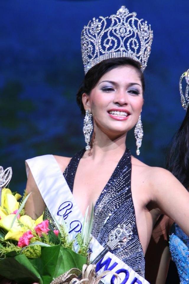 Những cuộc ngã giá, những buổi tiếp khách khi đi thi... Hoa hậu - 1