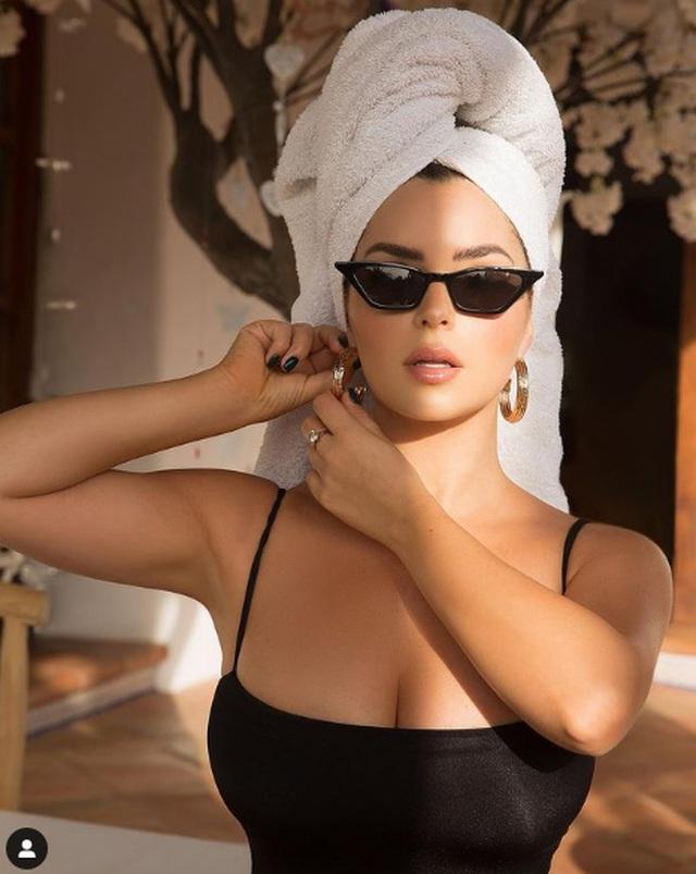 Demi Rose liên tục tung ảnh gợi cảm sau khi phủ nhận tin đồn nâng ngực - 8