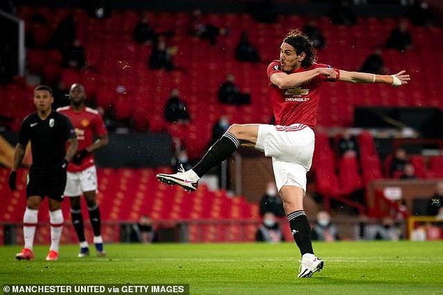 Cavani tỏa sáng đưa Man Utd tiến vào bán kết, Arsenal đại thắng tưng bừng - 1