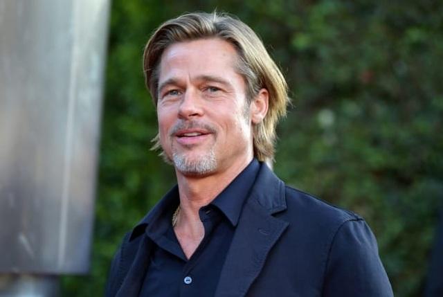 Xôn xao hình ảnh Brad Pitt ngồi xe lăn ở bệnh viện - 5