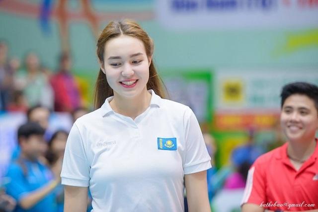 Vẻ đẹp quyến rũ của những thiên thần bóng chuyền châu Á - 13