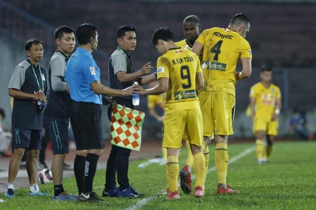 HLV Kiatisuk cùng HA Gia Lai ăn đứt thời đỉnh cao của đội tuyển Thái Lan - 1