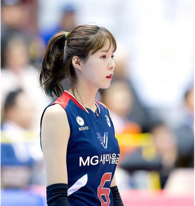 Vẻ đẹp quyến rũ của những thiên thần bóng chuyền châu Á - 5