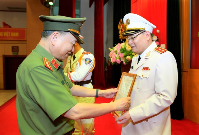 Tướng Tô Ân Xô - người phát ngôn Bộ Công an được thăng hàm Trung tướng - 1