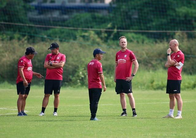Thủ môn Bùi Tiến Dũng sẵn sàng cho ngày tái xuất V-League - 6