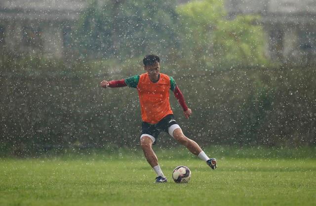 Thủ môn Bùi Tiến Dũng sẵn sàng cho ngày tái xuất V-League - 9