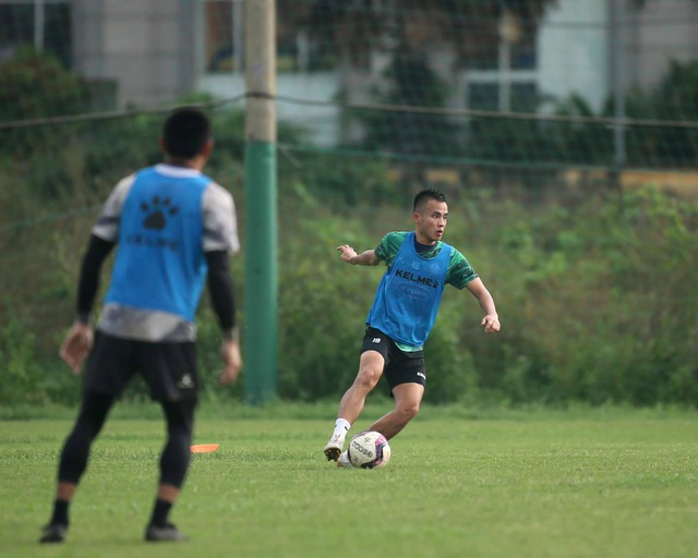 Thủ môn Bùi Tiến Dũng sẵn sàng cho ngày tái xuất V-League - 5