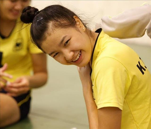Vẻ đẹp quyến rũ của những thiên thần bóng chuyền châu Á - 18