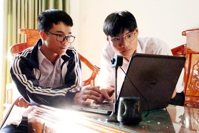 Hai học sinh lớp 12 nghiên cứu hệ thống giám sát người đeo khẩu trang - 3