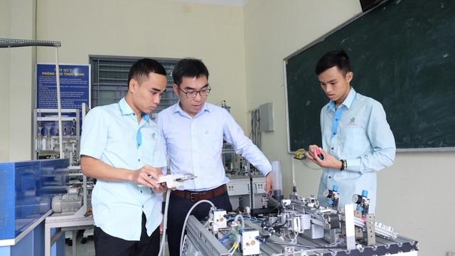 96% sinh viên trường Cao đẳng nghề Đà Nẵng tốt nghiệp có việc làm ngay - 2