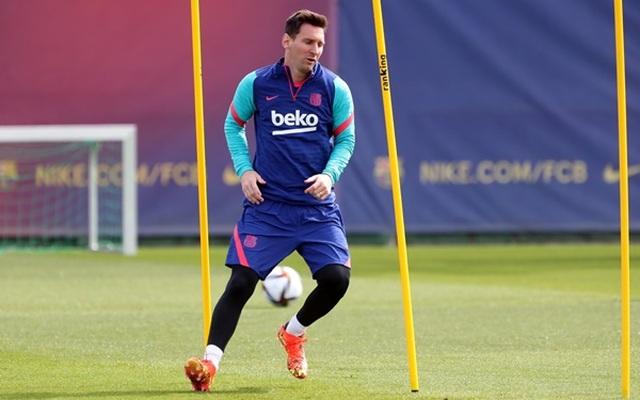 Messi sẽ chấp nhận thiệt thòi lớn nếu ở lại Barcelona - 1
