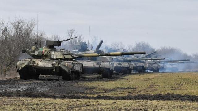 Căng thẳng leo thang dồn dập, đặc vụ Nga bắt lãnh sự Ukraine - 1